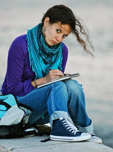 schrijvende vrouw