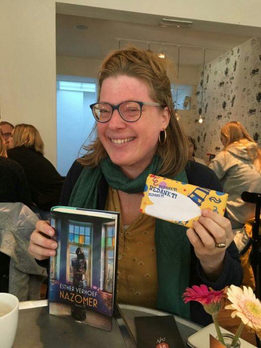 Anneke met Esther Verhoef NS Publieksprijs
